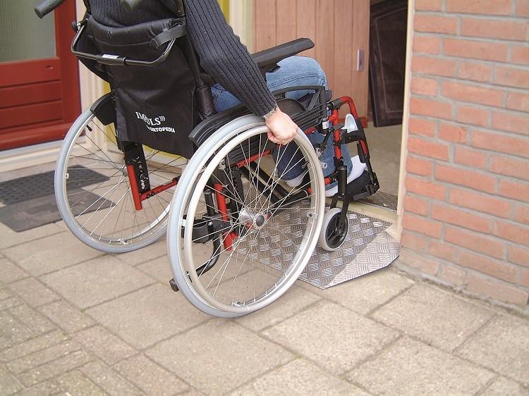 drempelhulp rolstoel