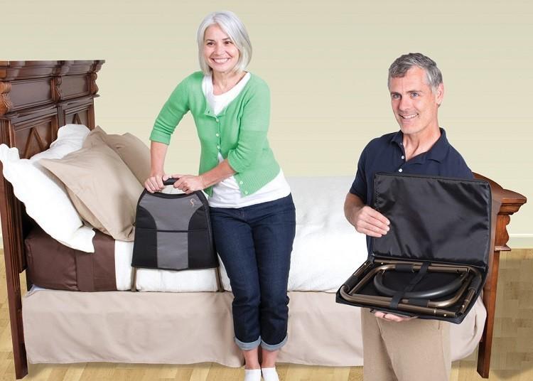 Een bedhek of bedsteun is een medisch hulpmiddel dat voorkomt dat mensen uit bed vallen en/of hen steun geeft bij het in en uit bed komen.